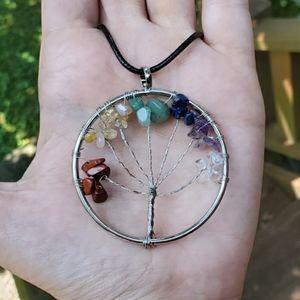 NWOT Rainbow 7 Chakras Tree of Life Necklace